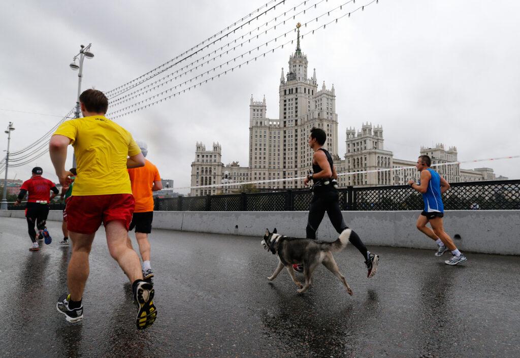 Где бегать в Москве маршруты: парки, сады, набережные, стадионы и манежи